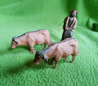 Figuritas de Belén labrador y bueyes