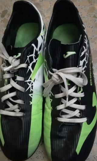 Vendo botas de fútbol marca Joma