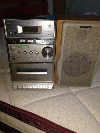 Minicadena CD, Radio y casette SONY