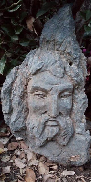 Esculturas talladas en piedra para jardín