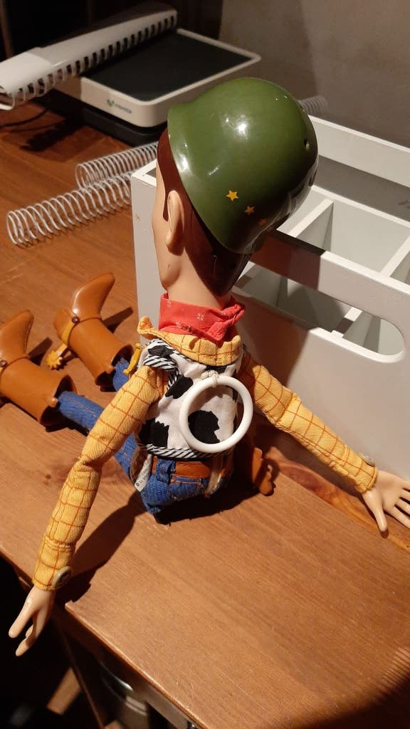 Woody el sheriff toy story con voz