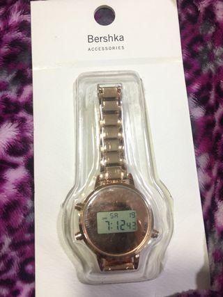 Reloj digital Bershka sin estrenar