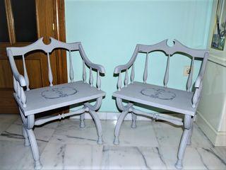 Bonita pareja de sillas en madera años 50-60