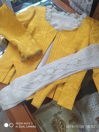 Promo corpiño amarillo + calzas bordadas
