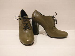 Zapatos cordones piel verde oliva