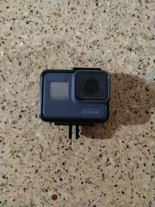 GoPro 5 Black, 3 baterias, cargador,accesorios SD