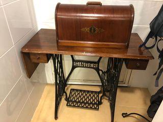 Máquina de coser antigua SINGER (Año 1907)