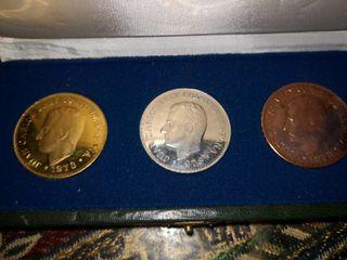 Monedas-medallas conmemorativas de la constitución