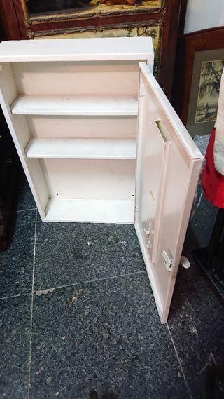 armario auxiliar pared