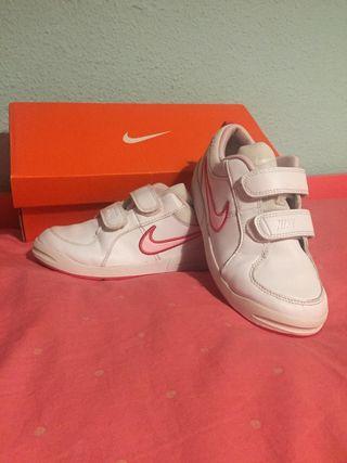 Zapatillas Nike niña talla 33