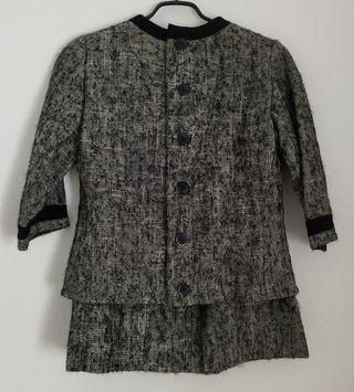 Traje de falda y chaqueta años 60. Talla M. Lana
