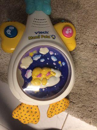 Movil de cuna proyector mama pato