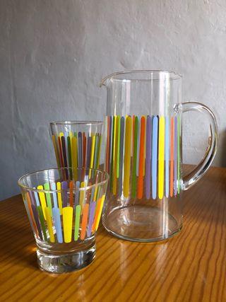 12 vasos y su jarra