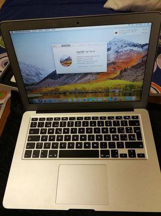 """Macbook Air 13"""" i5/8gb/128gb muy poco uso."""