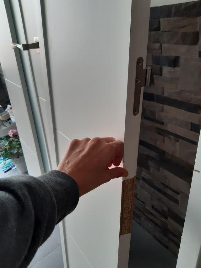 puerta de madera lacada en blanca con cristal