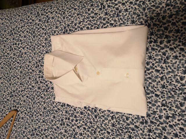 5 Camisas, talla M y 42