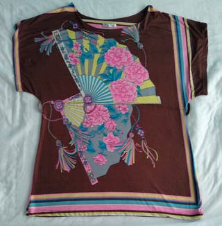 Camisola de mujer larga, con dibujo oriental