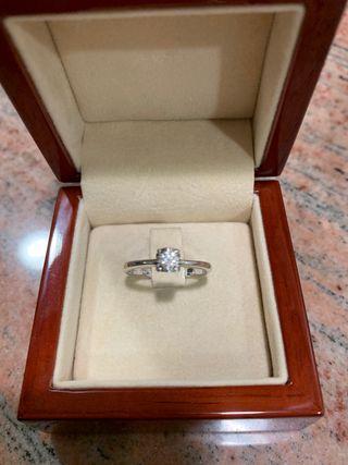 Tous anillo