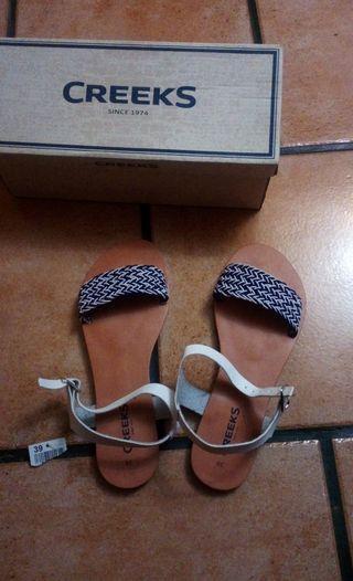 Vendo sandalias por equivocación de talla