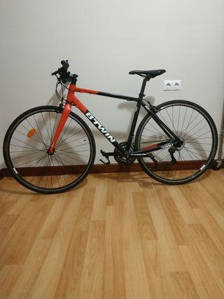 Bicicleta de carretera híbrida