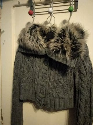 torera de lana gris con pelo