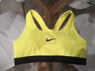 Top deportivo Nike. Amarillo fosforito. original.