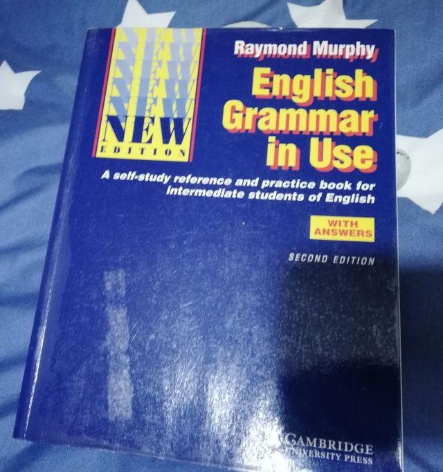 Libro de gramática inglesa. English grammar in use