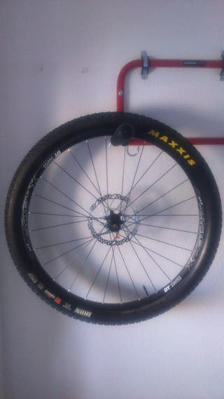Juego de ruedas completas 27,5 DT Swiss Boost 148