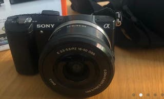 Cámara de fotos réflex digital Sony Alpha 5000