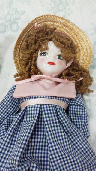 muñeca de porcelana de la famosa casa FANAS de 43
