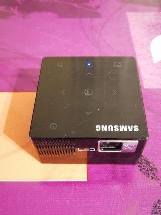 Mini proyector Samsung SP-H03