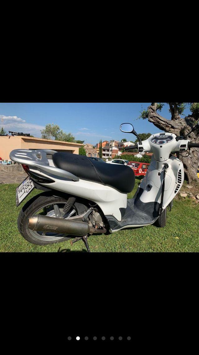 Honda scoopy 150