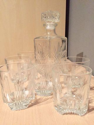 Juego 6 vasos y botella wisky