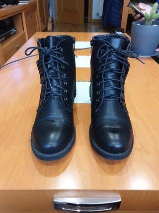 Botas negras estilo militar n°37