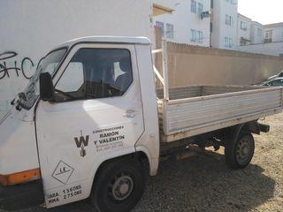Nissan Trade 89
