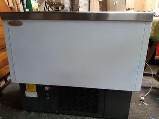 Refrigerador de bebidas y refrescos