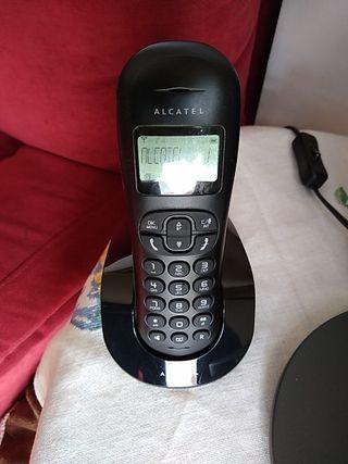 2 teléfonos inalámbricos Alcatel
