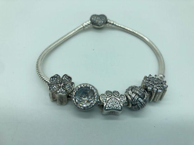 Pandora pulsera