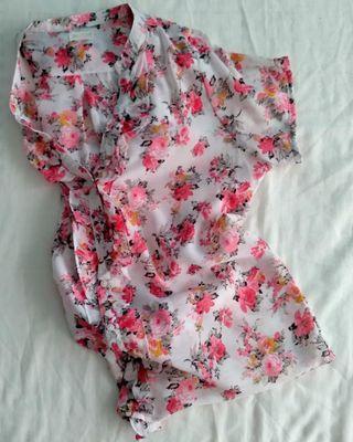 Blusa de estampado primaveral