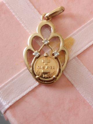 colgante medalla del amor oro 18 kilates