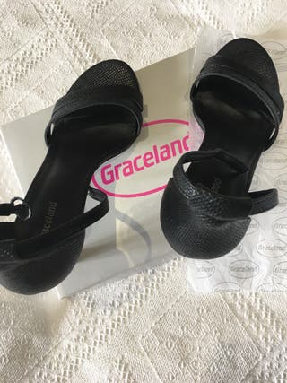 Sandalias negras. Talla 38