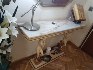 Mueble auxiliar con encimera de mármol italiano
