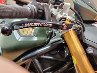 Manetas Ducati