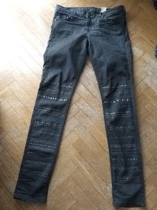 Pantalón Vaquero gris. Completamente nuevo