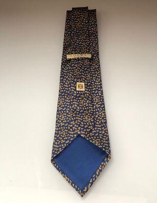 Corbata Loewe seda gruesa