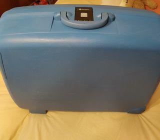 Trolley DELSEY rígido,2 ruedas, 86 litros.Maleta