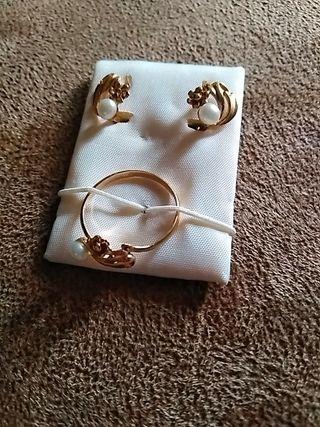 Oro. Pendientes y anillo T10