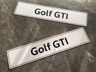 Placas matrícula concesionario Golf GTI