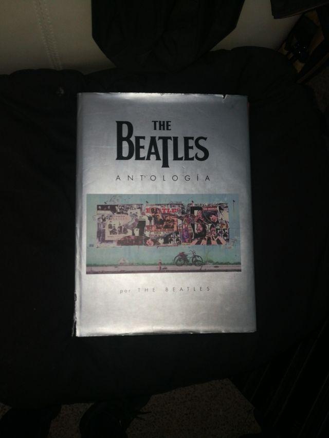 Gran libro The Beatles antología