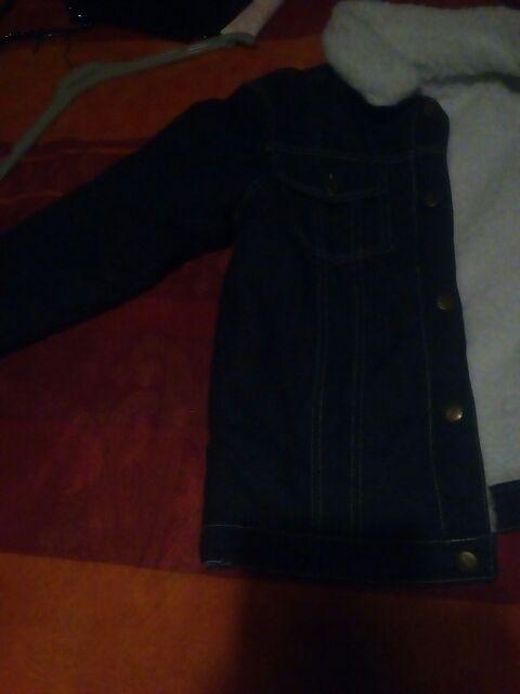 veste 10/12 ans toute neuf